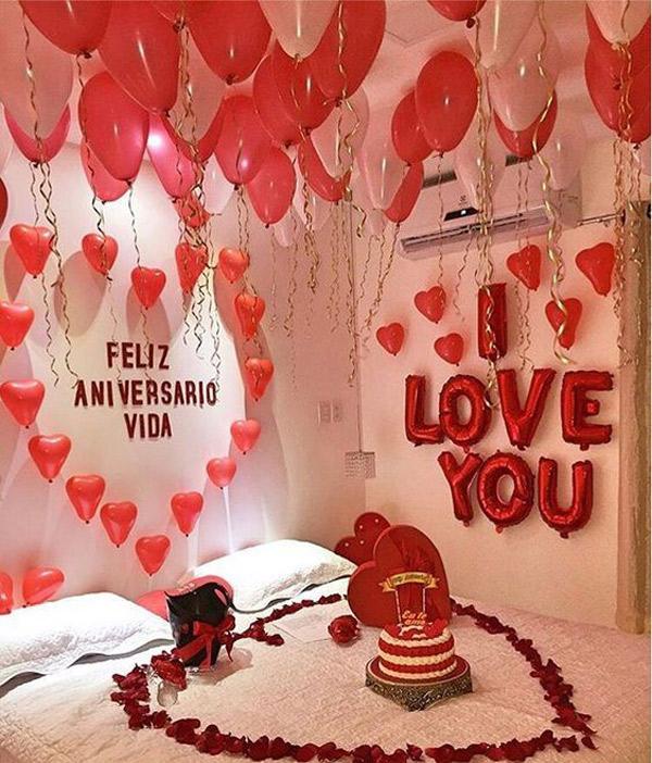تزیین اتاق عروس و داماد با بادکنک قلبی