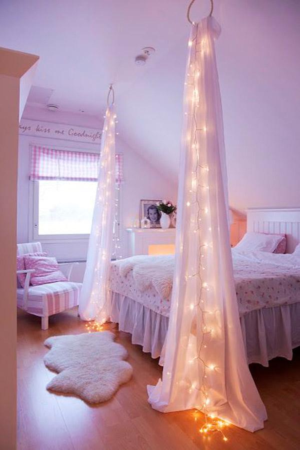 تزیین اتاق عروس ساده با تور و لامپ های ریسه ای