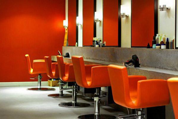 فضاهای کاربردی در دکوراسیون آرایشگاه زنانه کوچک