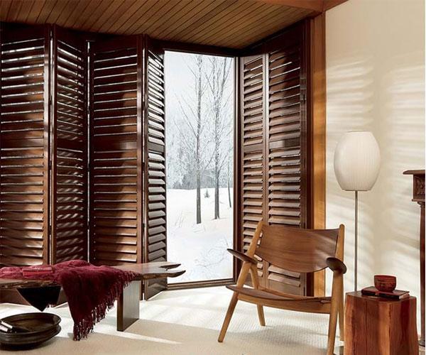 مدل پنجره برای باغ و ویلا چوبی تاشو