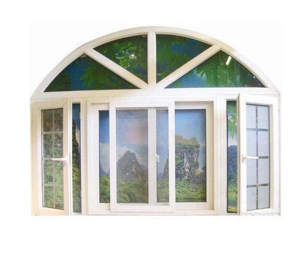 مدل پنجره برای باغ و ویلا با شیشههای رنگی