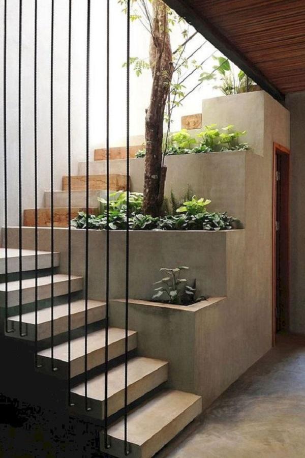 تزیین راه پله با استفاده ایجاد فضای سبز در ورودی پله