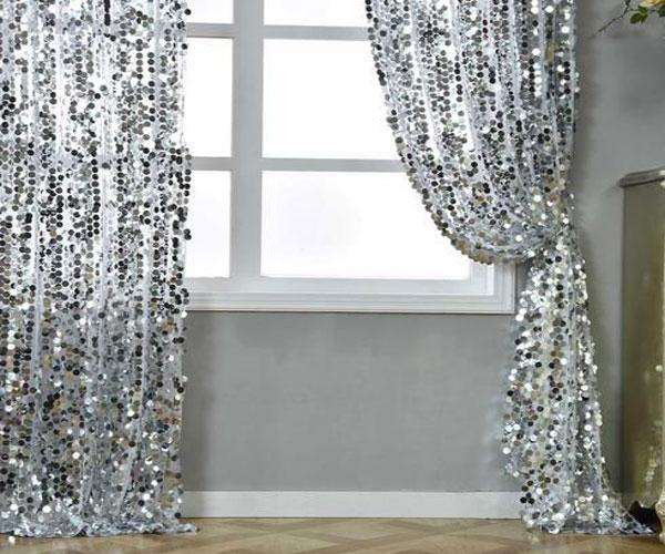 مدل پرده پنجره  اتاق خواب پولکی