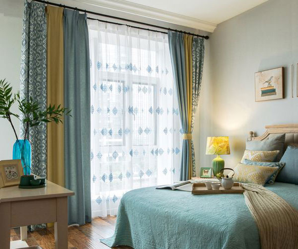مدل پرده پنجره اتاق خواب سه رنگ