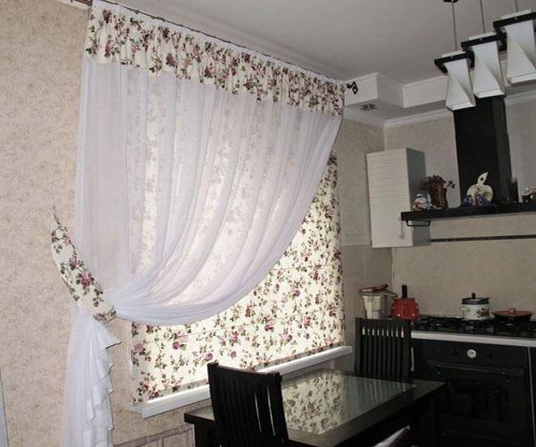 مدل پرده پنجره  لاوان یک طرفه گلدار آشپزخانه