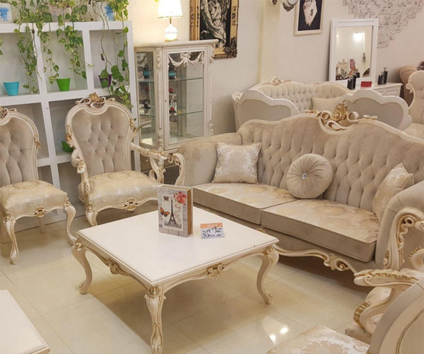 مدل میز جلو مبلی لوکس با رنگ سفید و طلایی