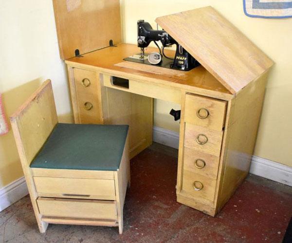 مدل میز چرخ خیاطی چوبی تاشو