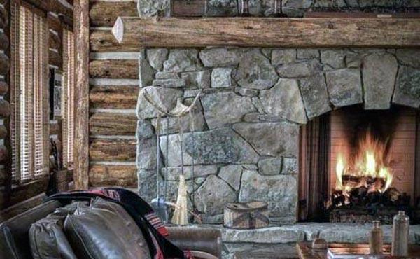 شومینه سنگی در سبک معماری روستیک