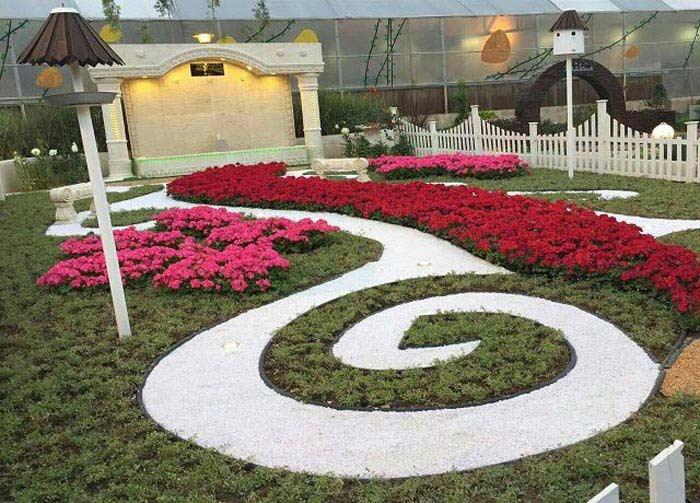 گل کاری با مرز مشخص در محوطه ویلا