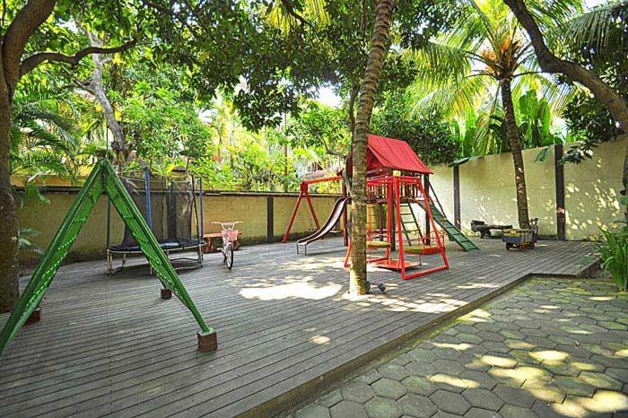 ایجاد پارک بازی در گوشه ای از محوطه ویلا