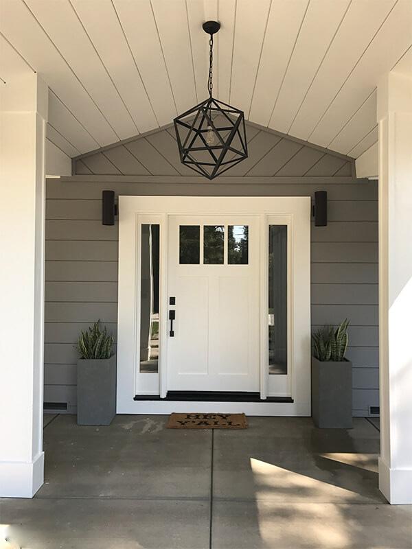 مدل درب ورودی ساختمان چوبی