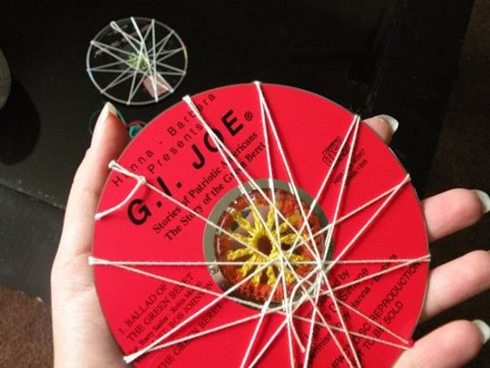 تزیین دکوراسیون منزل با استفاده از سی دی های بازیافتی
